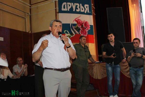 Категорически против строительства завода рядом со станицей и директор школы № 4 Геннадий ЛОБАЧЕВ.