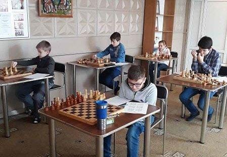 У детей, которые без принудиловки и увлеченно играют в шахматы, как правило, результаты учебы на порядок выше, чем у сверстников.